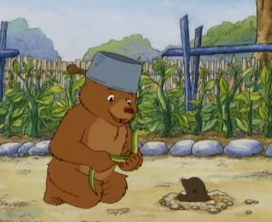Little Bear: The garden war